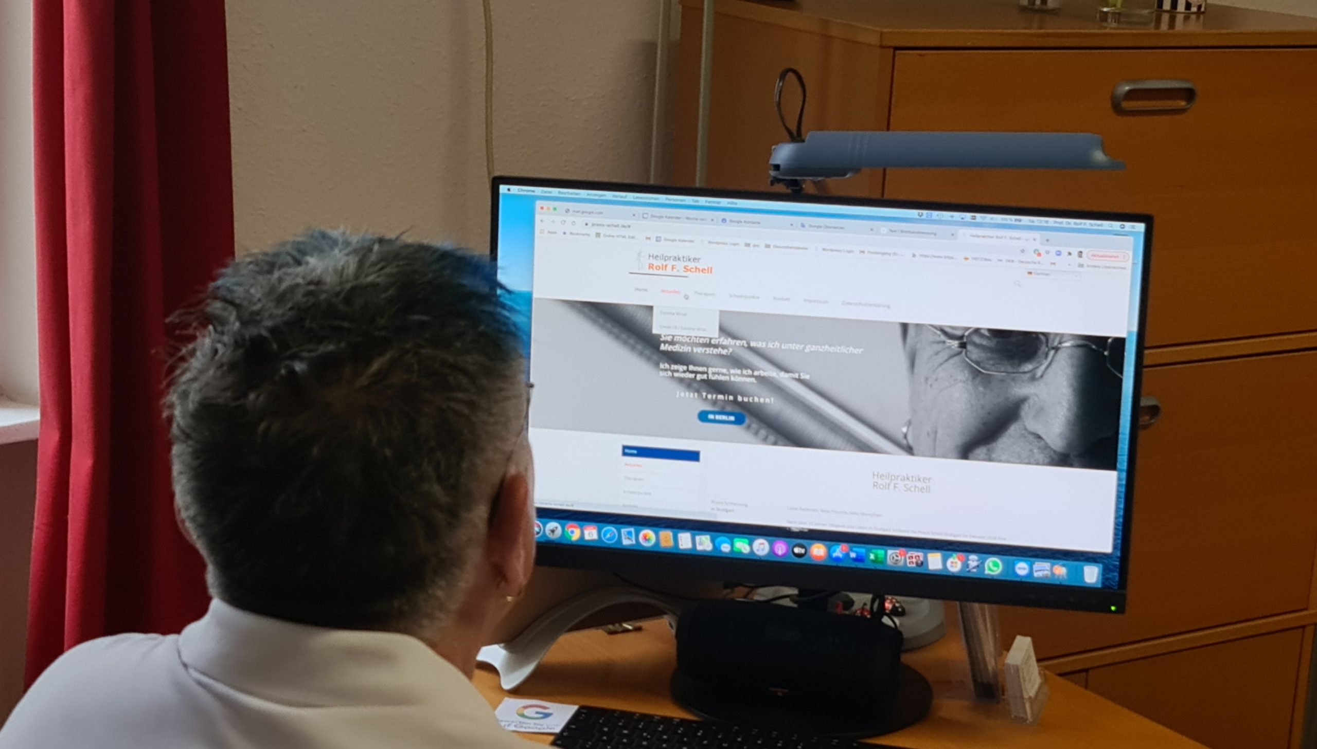 Heilpraktiker Videosprechstunde Zoom mit Dr. Rolf F. Schell